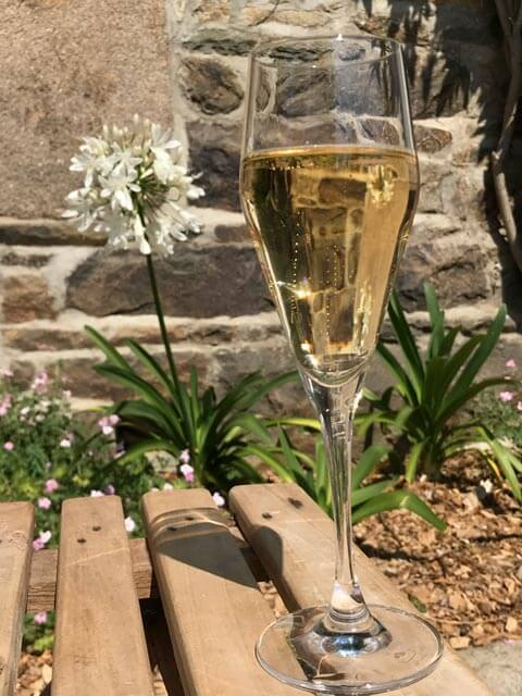 Champagne aperitif for romantic stay in Brittany